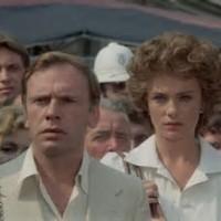 """Fruttero&Lucentini, La donna della domenica: """"Ci sono molte cose che lei ci deve spiegare, signora"""""""