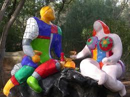 niki scultura coppia