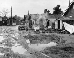 Lange case nel fango