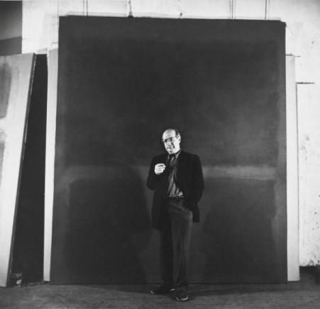 Rothko con sua tela