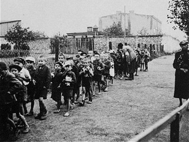 bambini concentramento