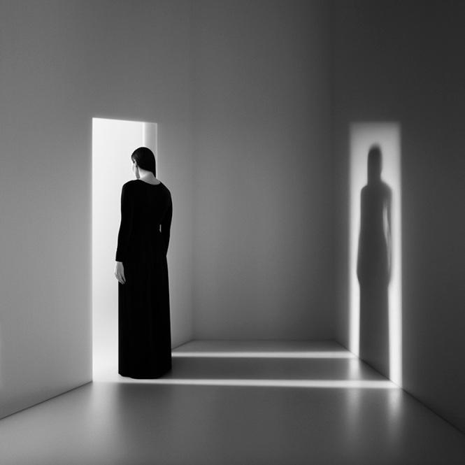 Noel Oszvald donna ombra