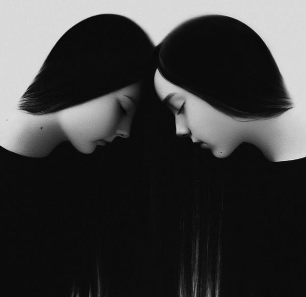 Noell-Oszvald two women