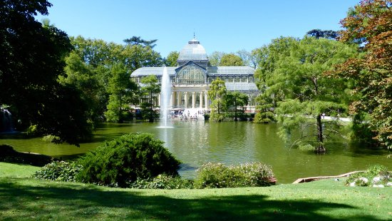 madrid-retiro-park-crystal