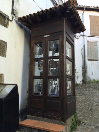 cabina telefonica barrio-judio-de-hervas