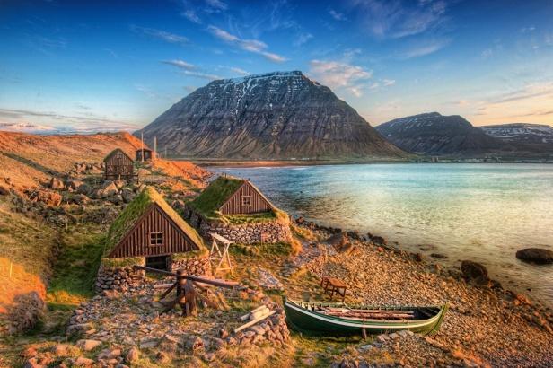 Iceland_Mountains_Lake_478752
