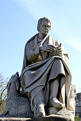 Walter_Scott_statue_at_Scott_Monument
