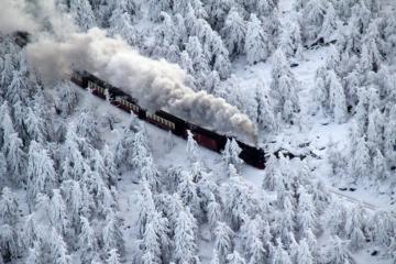 treno nella neve