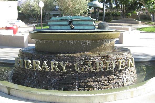 Fontana Bellflower-Library-Garden@-Ewald-Judt